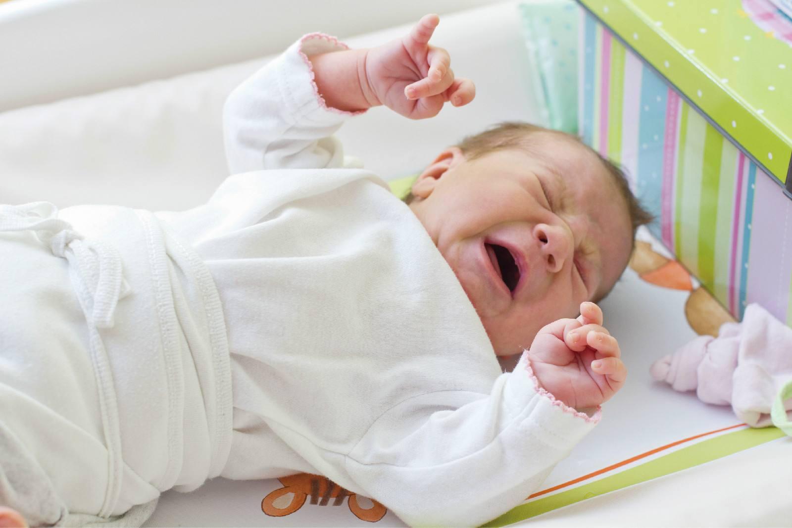 佳贝艾特优装婴幼儿配方羊奶粉,更多营养更多健康