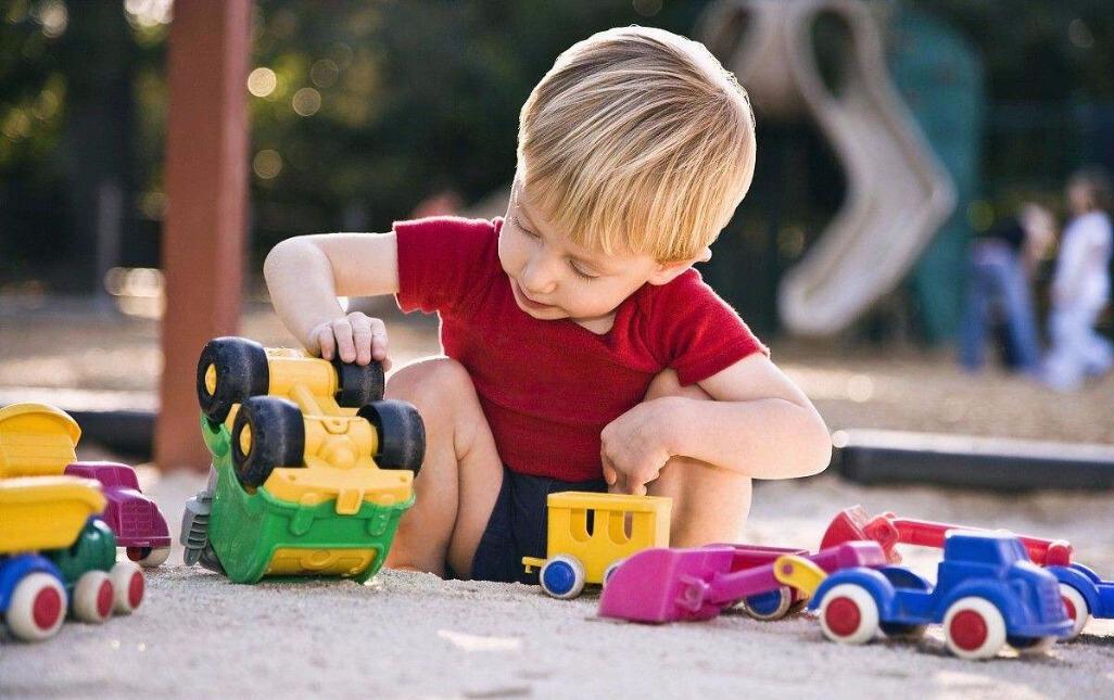 强迫我孩子分享玩具,你凭什么这样做?