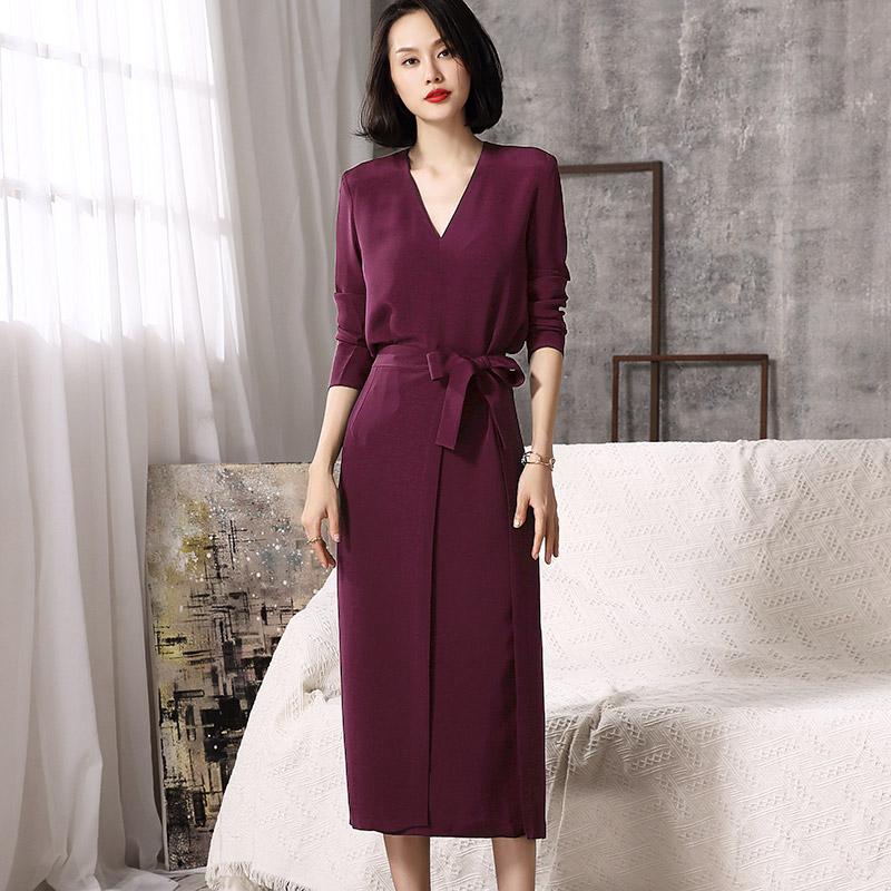 """老婆一天比一天漂亮,全因穿了这""""玫瑰红""""秋裙,虽贵但美值了"""