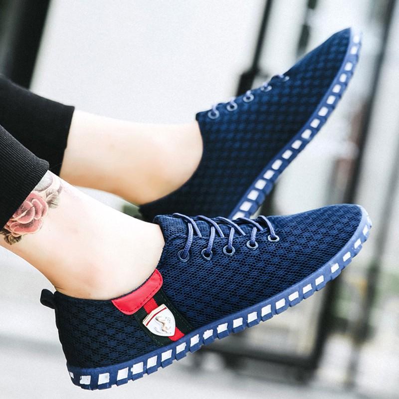 35+男人经济允许,少穿皮鞋多穿透气休闲鞋,显年轻享尊贵