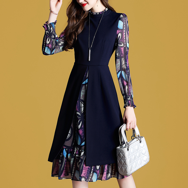 烂大街的大码套装别穿了,时下流行假两件连衣裙,美的路人三回头