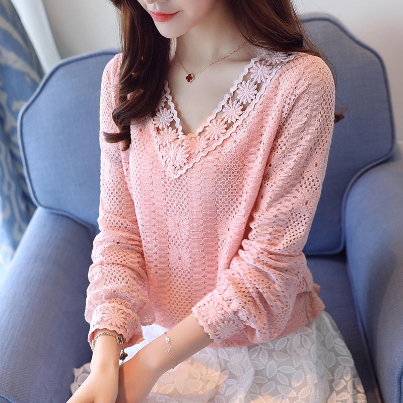40~55岁女人特适合穿这:薄款小衫,刚上新就买,洋气美爆了