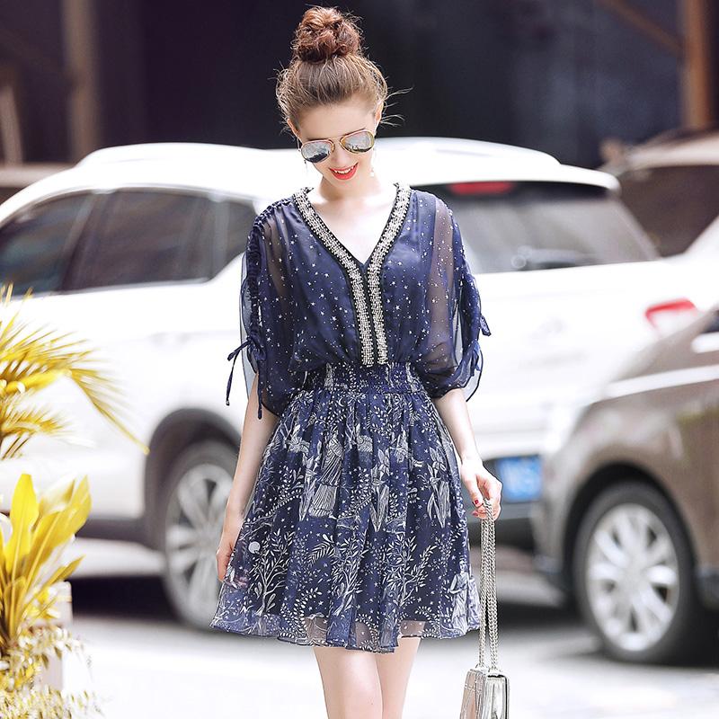 终于找到漂亮大码连衣裙,特适合微胖女人穿,上身连背影都美炸了