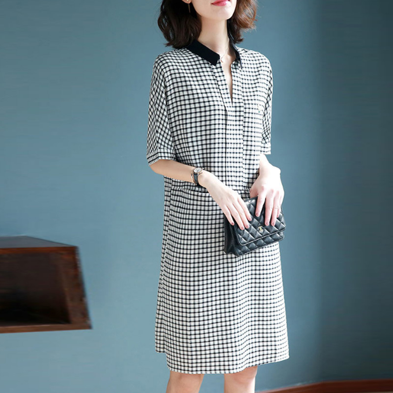 现在的女人别穿太土了,今年流行这几款连衣裙,穿上它优雅大气