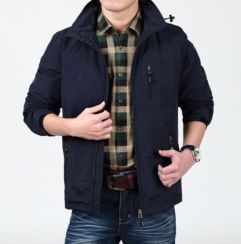 40岁男人入秋别穿棉大衣!借鉴下图穿法,时尚减龄又帅气,不贵