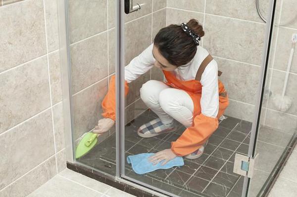 多数人都拆掉淋浴房!看看现在流行的新式厕所,美观又实用