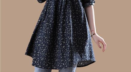 难怪火了!新款娃娃衫+小黑裤,瞧下图女人一个比一个年轻美嫩