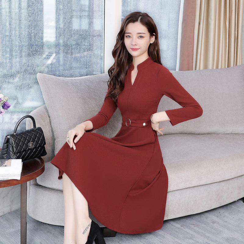中秋团圆,我妈妈穿这欧式秋裙出席,洋气又高贵,惊艳全场