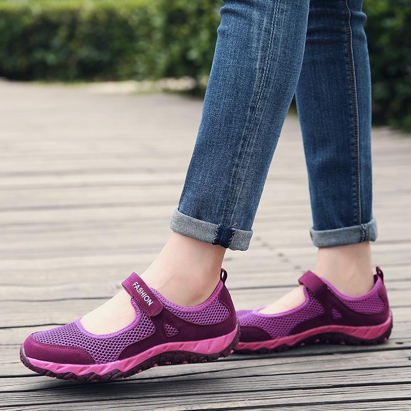 可以穿着跳舞的鞋子,柔软又舒适,买一双回家给妈妈穿她一定喜欢