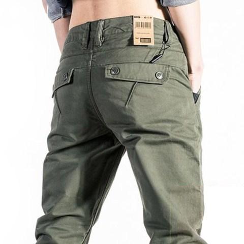 难怪老公不穿牛仔裤了!当下流行这样的休闲裤,帅的无与伦比