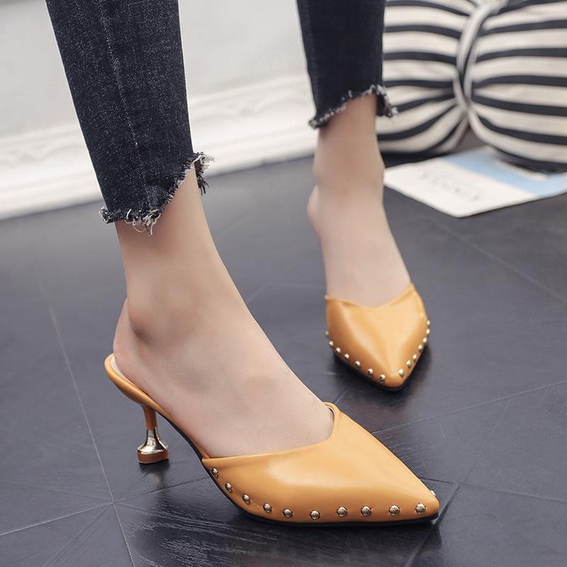 外穿细跟尖头欧美漆皮时尚铆钉凉鞋优惠券