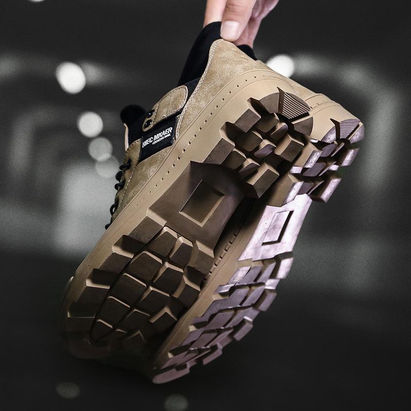 继登山鞋之后,军工马丁靴成为新一代流行男鞋,上脚舒适霸气十足