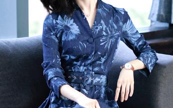 终于让我找到这秋裙,美过丝绒,胜比旗袍!很适合6070后穿