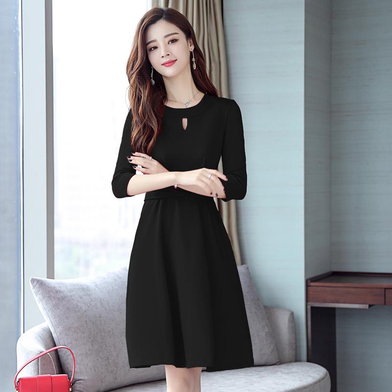 马上国庆,适合旅游穿的赫本裙,洋气显瘦超美嫩,连拍照都美