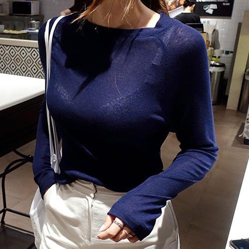 女人这样穿打底衫,直接变身性感宠儿,美极了